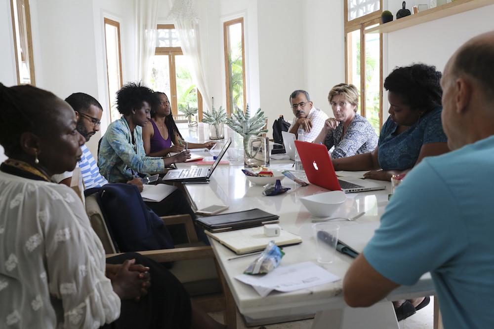 Maestros y becarios dialogan en una de las jornadas adelantadas en Cartagena.