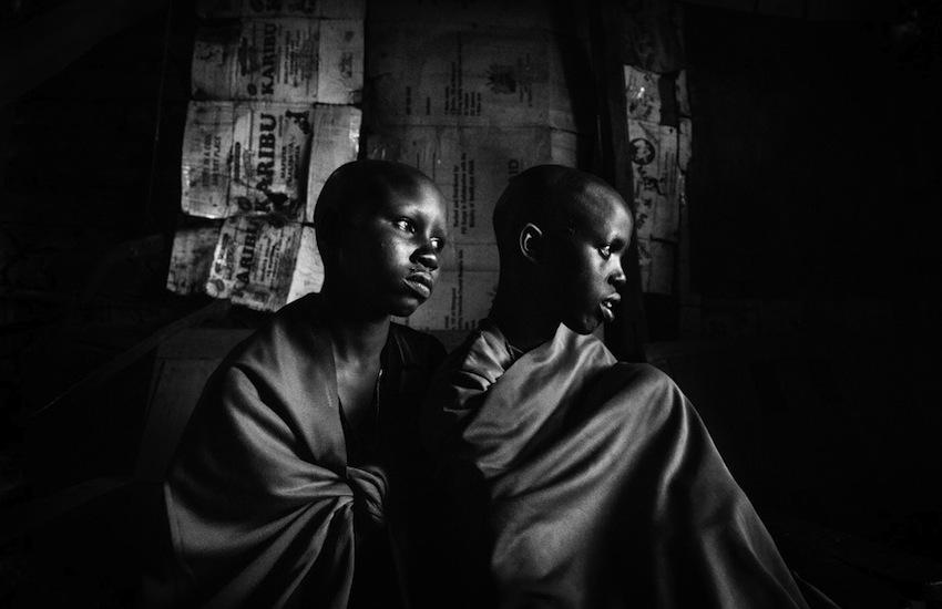 3. 'Quitado: la mutilación genital en Kenia'. Foto: Meeri Koutaniemi y Helsingin Sanomat.