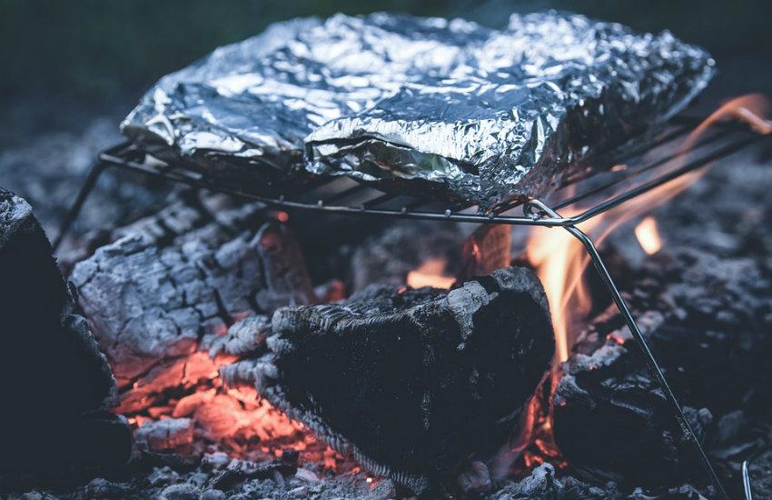 ¿Es cierto que el papel aluminio tiene un lado tóxico?... ¡Responde nuestro quiz de noticias!