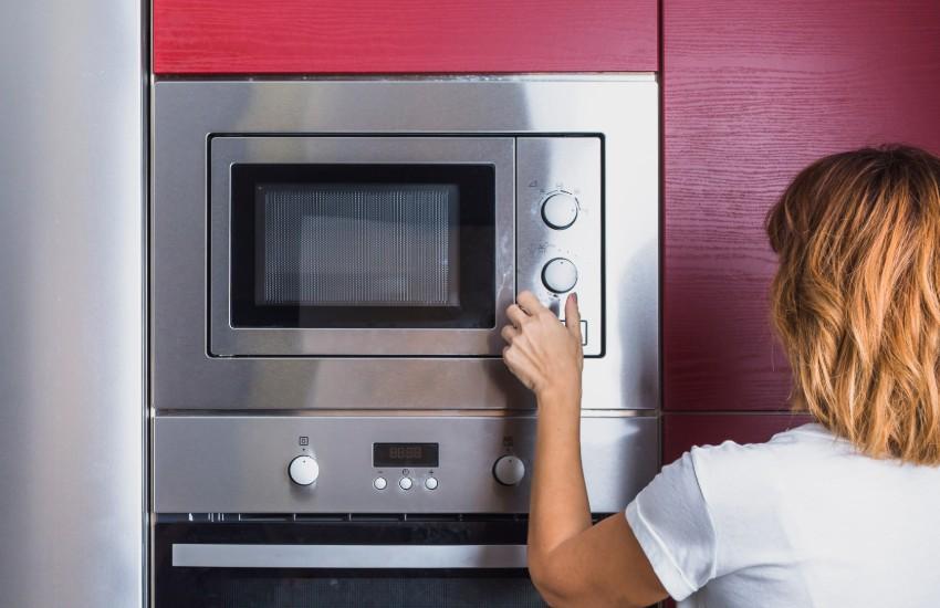 ¿Es verdad que Japón prohibirá el uso de hornos microondas por cuestiones de salud pública?... ¡Responde nuestro quiz de noticias!