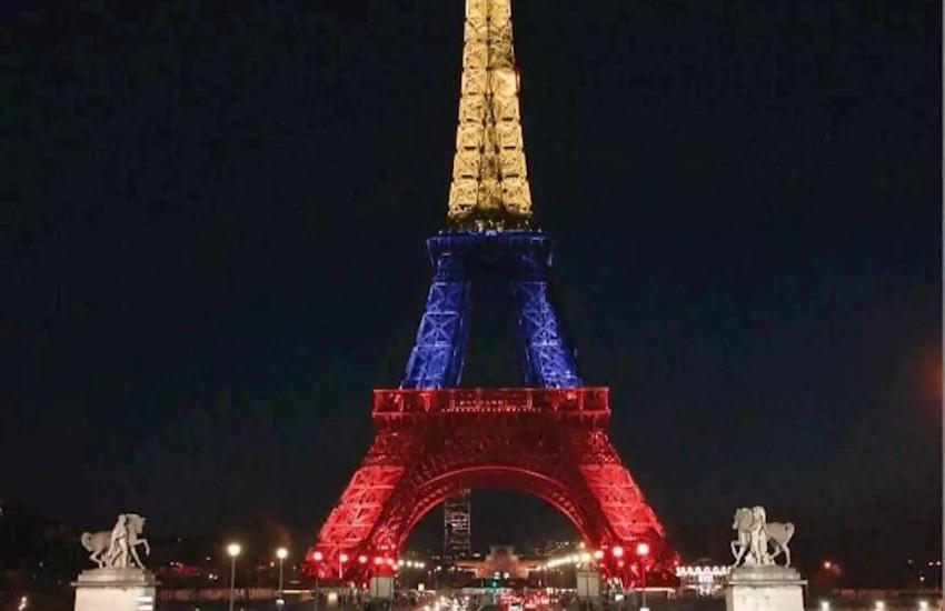 La Torre Eiffel jamás ha estado iluminada con los colores de la bandera de Colombia.