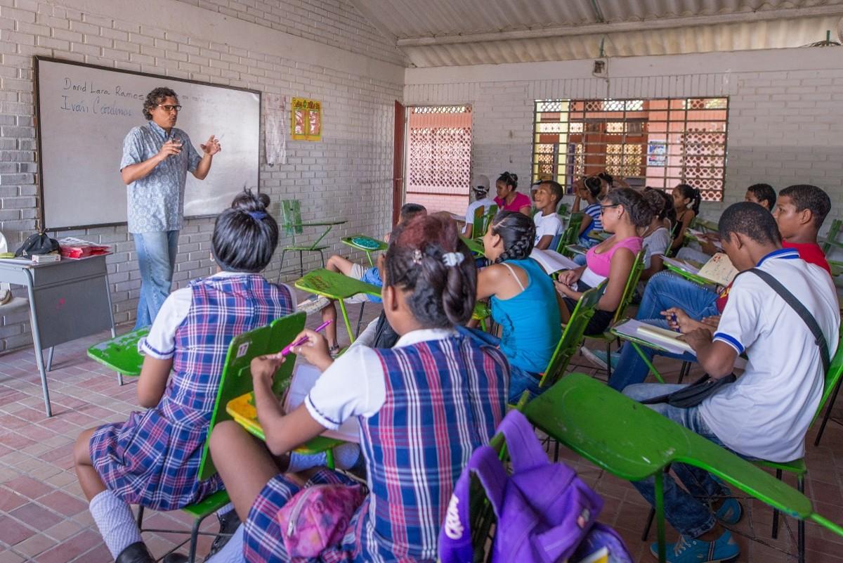 Los participantes estarán bajo la guía de los periodistas Marcelo Franco, director del taller, y David Lara, coordinador periodístico. - Foto: Fundación Tenaris TuboCaribe