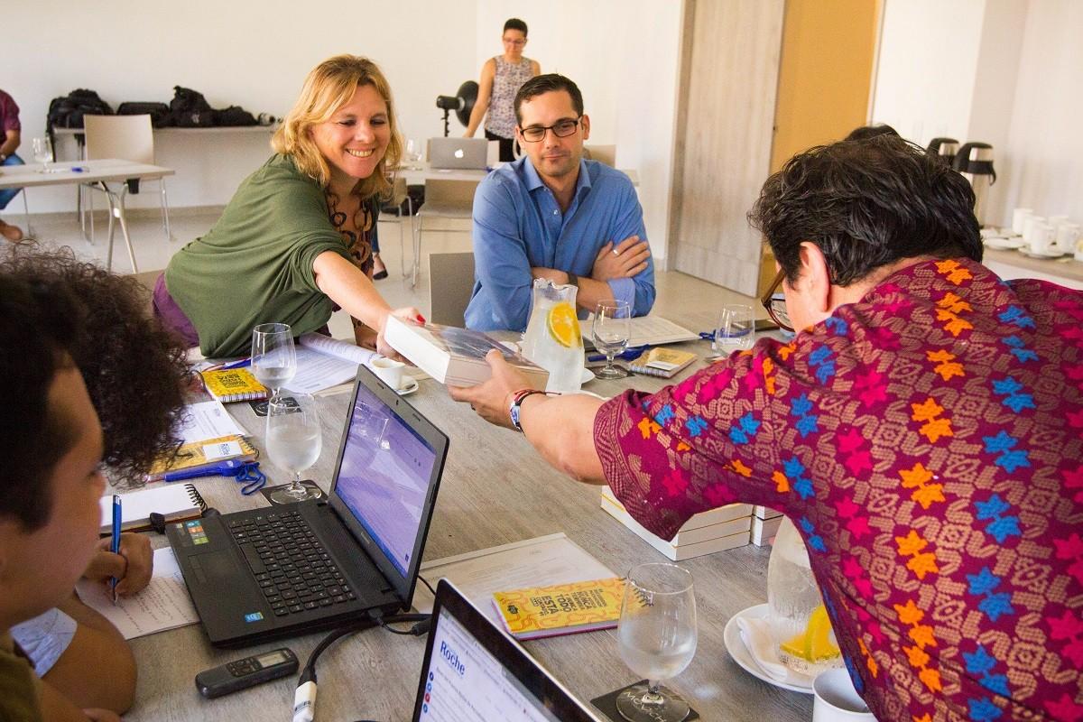 Roxana Tabakman y Luis Quevedo son los jurados de la quinta edición del Premio Roche en la categoría Televisión y Video. Foto: Rafael Bossio Fotografía/FNPI