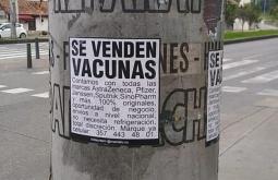¿Es real este aviso callejero de venta de vacunas en Colombia?... ¡Responde nuestro quiz de noticias!