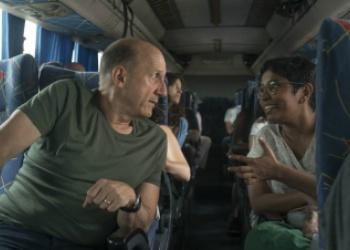 Jonathan Levy (izq.), maestro de la Beca Gabo, junto a Smriti Daniel (der.) participante de la Beca Gabo 2017. Foto: Stephen Ferry / Archivo Fundación Gabo.