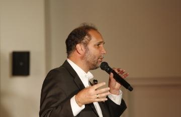 Chani Guyot es periodista, editor, diseñador y músico. Foto: David Estrada Larrañeta - Fundación Gabo.