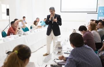 Carlos Francisco Fernández condujo el taller en Cartagena. Foto: Rafael Bossio.