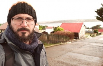 Ernesto Picco durante su primer viaje a las Malvinas. Foto: Cortesía.