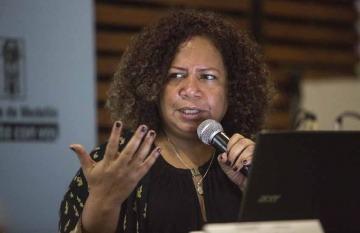 La periodista Luz Mely Reyes durante un taller de la Fundación Gabo.