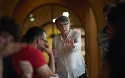 Liza Gross lideró el webinar 'Cómo cubrir el coronavirus más allá de la desesperanza'.