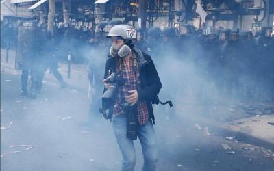 Desde 2015, al menos 10 periodistas han perdido la vida mientras cubrían manifestaciones en la calle. Fotografía: UNESCO.