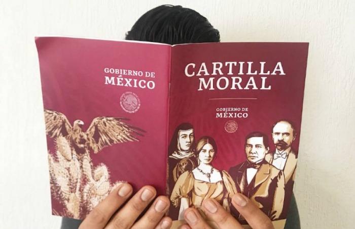 'Cartilla moral' repartida en México por el gobierno del presidente Andrés López Obrador. Foto: Secretaría de Bienestar de México - Creative Commons.