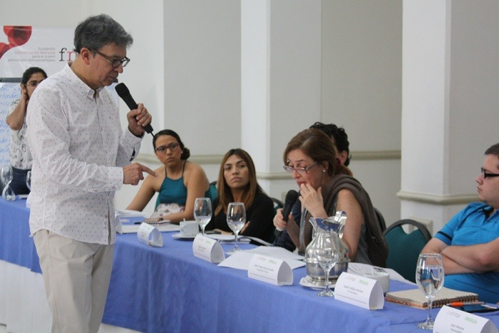 Carlos Francisco Fernández en el taller ¡A nuestra salud! Cómo investigar y reportear temas de salud en Colombia.