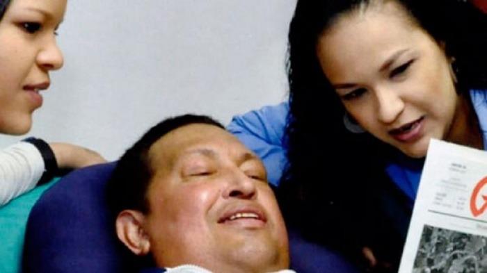Experto afirma que reciente foto de Chávez fue manipulada