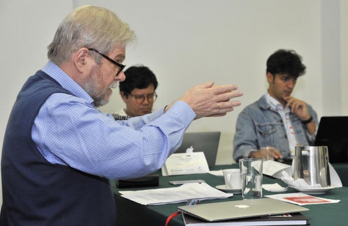 Michael Reid durante una sesión del Taller Periodismo de Análisis de América Latina. Foto: Guillermo Legaria.