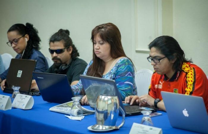 13 periodistas participan en el Taller reportaje sonoro y temas urbanos. Foto: Manolo Rivera