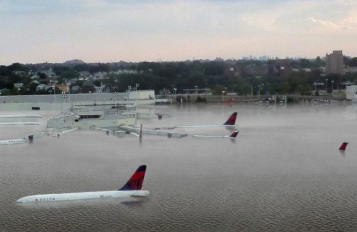 ¿En realidad así quedó el aeropuerto de Houston tras el paso de Harvey?... ¡Pon a prueba tu olfato periodístico con nuestro quiz semanal!