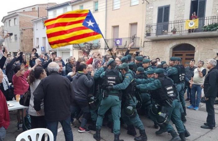 ¿Es auténtica esta fotografía de las protestas durante el referendo en Cataluña?... ¡Responde nuestro quiz de noticias!