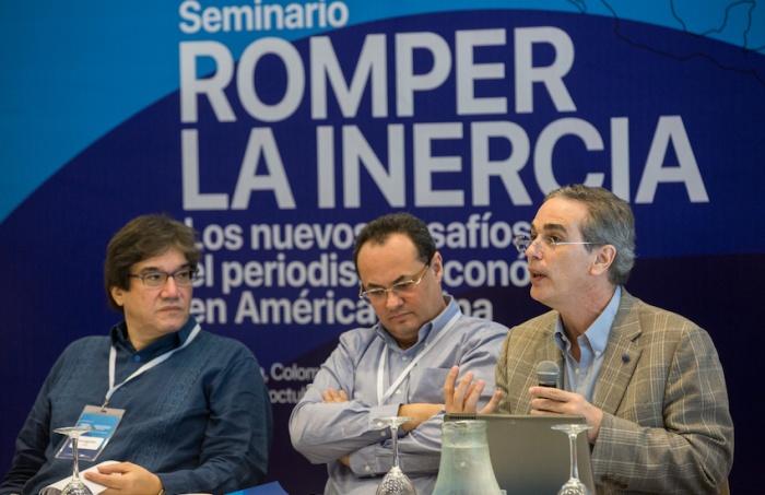 Luis Miguel González, director editorial del diario El Economista de México, fue uno de los maestros directores del Seminario.
