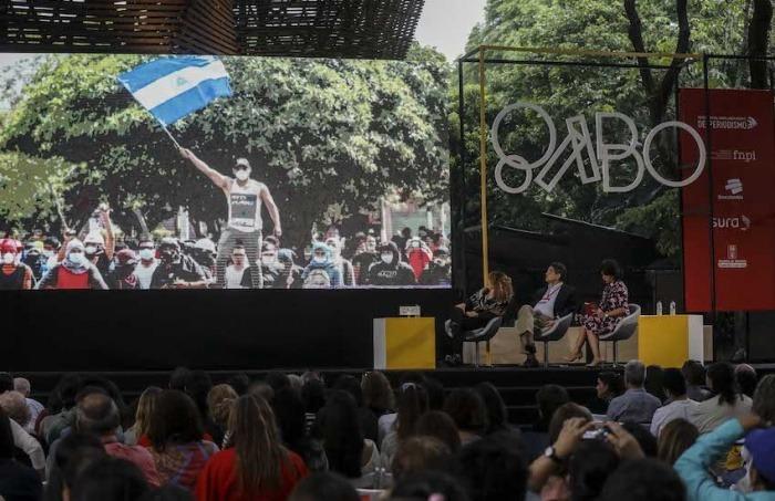 Imagen de la charla Nicaragua: el grito de los volcanes. Foto: Joaquín Sarmiento/FNPI
