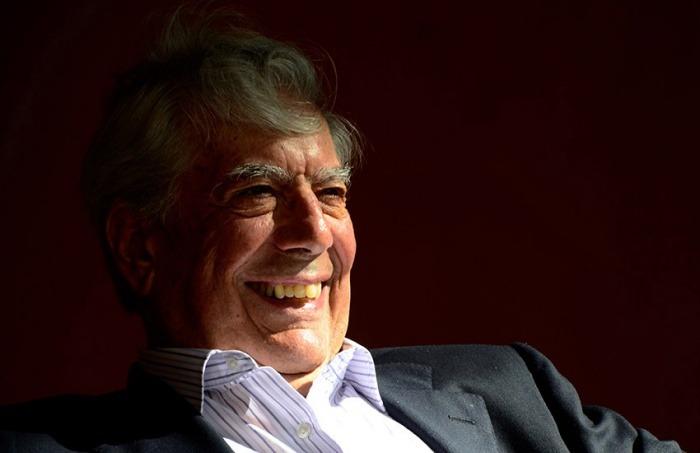 Mario Vargas Llosa en el Hotel Santa Clara antes de un evento del Hay Festival Cartagena, Enero 25, 2013
