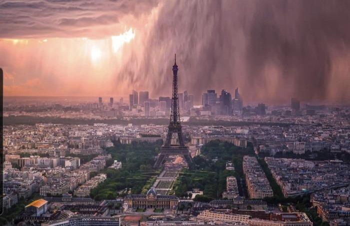 ¿Es real esta imagen de una tormenta sobre París?... ¡Responde nuestro quiz de noticias!