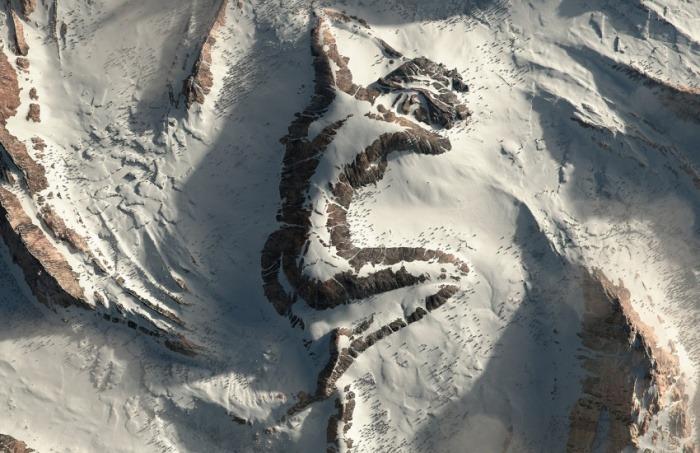 ¿Es real esta fotografía satelital del volcán mexicano Iztaccíhuatl en la que se aprecia la figura de un gigante?... ¡Responde nuestro quiz de noticias!