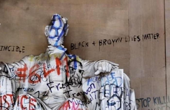 ¿Es real esta fotografía de la estatua de Abraham Lincoln en Washington D. C. vandalizada tras las protestas por la muerte de George Floyd?... ¡Responde nuestro quiz de noticias!