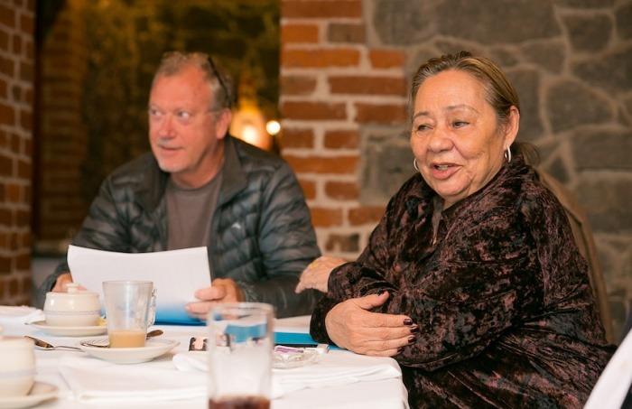 Jon Lee Anderson y Mercedes Barcha en la reunión del Consejo Rector de la Fundación Gabo en 2014. Foto: Guacamole Project - Archivo Fundación Gabo.