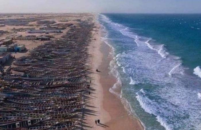 Algunos políticos españoles compartieron esta imagen en redes sociales, como advertencia del enorme grupo de migrantes argelinos que planeaban embarcarse en pateras rumbo a España. ¿Es real?... ¡Responde nuestro quiz de noticias!
