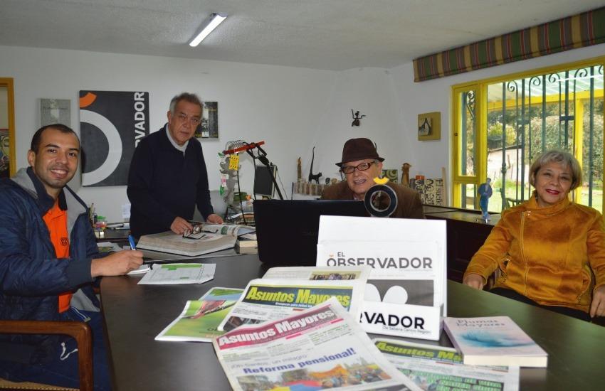 """El equipo detrás del pódcast """"Asuntos Mayores"""" (de izq. a der.): Roy Salas, Julio León, Héctor Tabares y Luz Nelly Arévalo. Foto: Cortesía"""