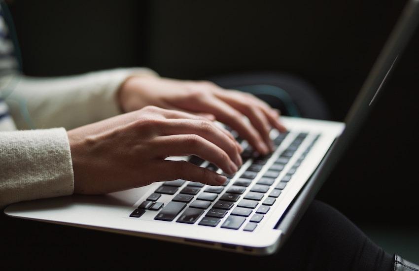 Los trabajos cortos enfocados en respuestas a problemas se pueden desarrollar en cualquier formato - Foto: unsplash.com - Compartido bajo licencia Creative Commons.