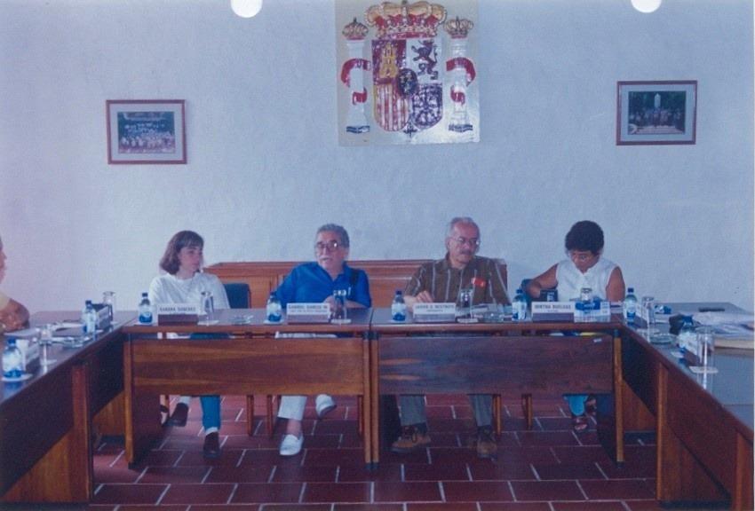 Javier Darío Restrepo y Gabriel García Márquez durante el primer taller de ética periodística. Cartagena, 1995.