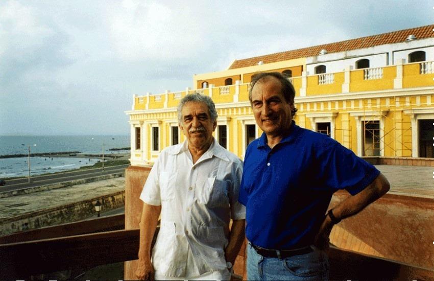 García Márquez y Tomás Eloy Martínez en Cartagena. Fotografía: Fundación Gabo.