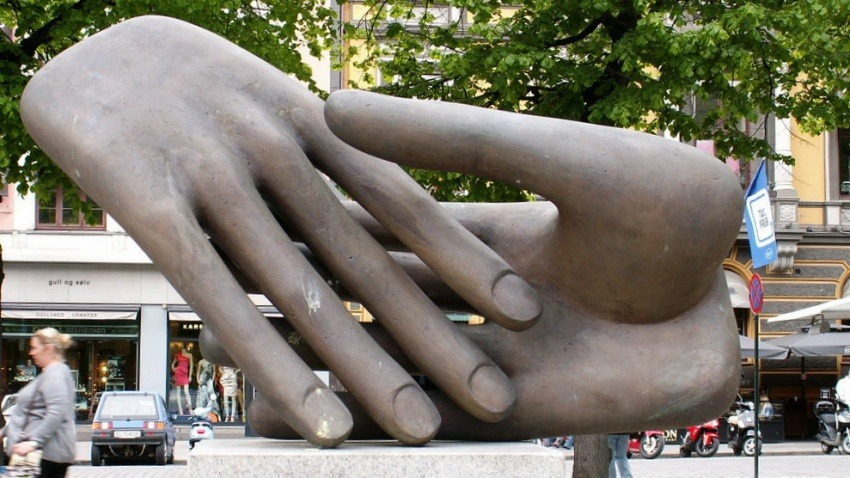 Fotografía: Monumento a la paz en Oslo, Noruega. Fotografía: Pedro Caetano en Flickr / Usada bajo licencia Creative Commons