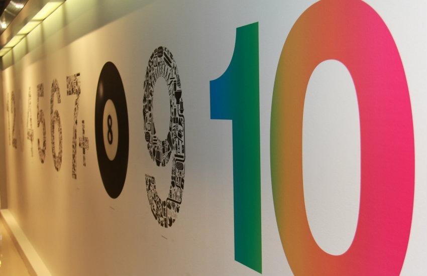 Las oficinas de Leo Burnett en el mundo entero suelen estar decoradas con alusiones a la escala HumanKind | Fotografía: AdChemistry. Usada bajo licencia Creative Commons