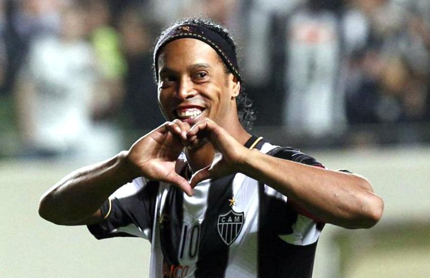 ¿Es cierto que el exfutbolista Ronaldinho se casó con dos mujeres?... ¡Responde nuestro quiz de noticias!