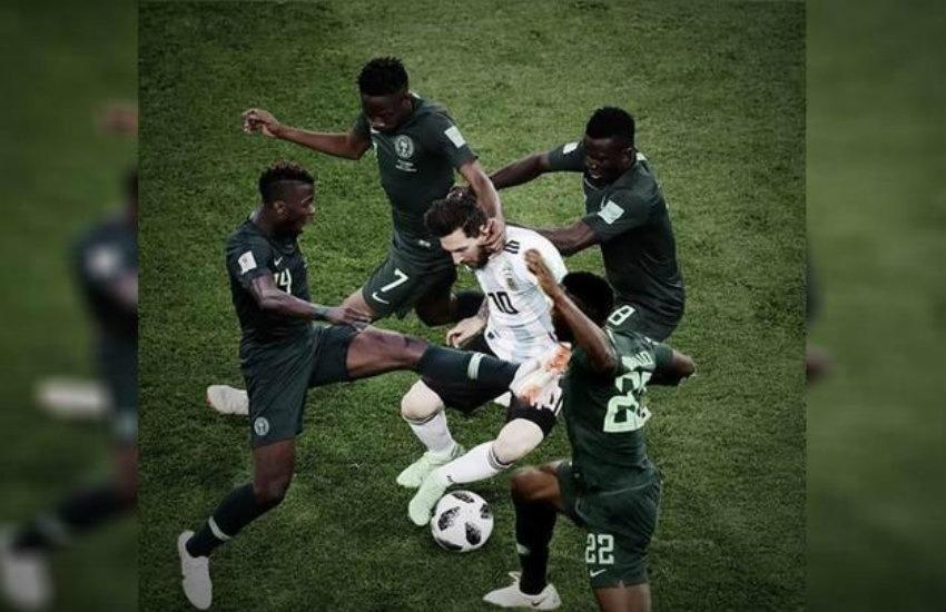¿Es real esta foto de 4 nigerianos marcando a Messi?... ¡Responde nuestro quiz de noticias!