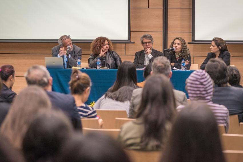 Tulio Hernánez, Luz Mely Reyes, Rodrigo Pardo, Ginna Morelo y Estefnía Colmenares. Foto Diana Sánchez/ FNPI.