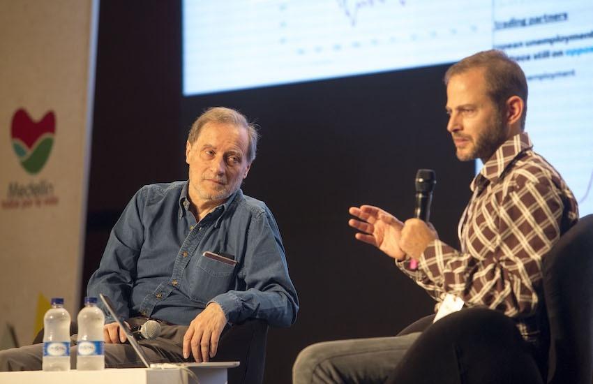 Jean-François Fogel (izq.) junto a Gideon Lichfield (der.). Foto: David Estrada Larrañeta / Archivo Fundación Gabo.
