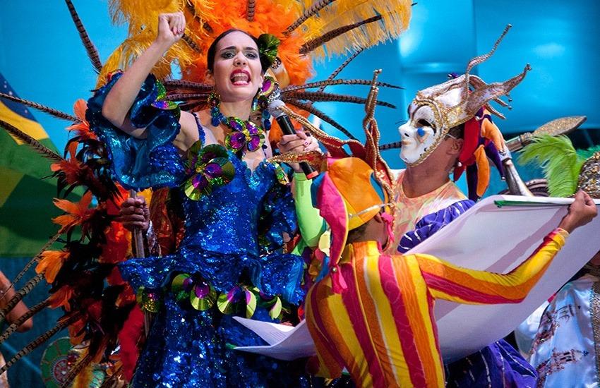 Tatiana Cepeda Tarud Reina del Carnaval de Barranquilla lidera la lectura del Bando en Enero 19, 2013. Foto: Joaquín Sarmiento/FNPI