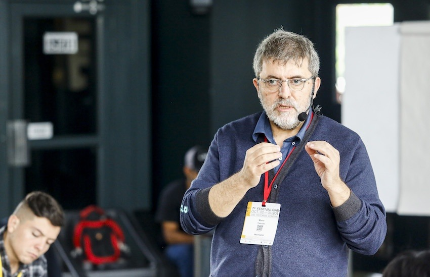 Mario Tascón, socio director de Prodigioso Volcán, durante un taller en el Festival Gabo 2019.