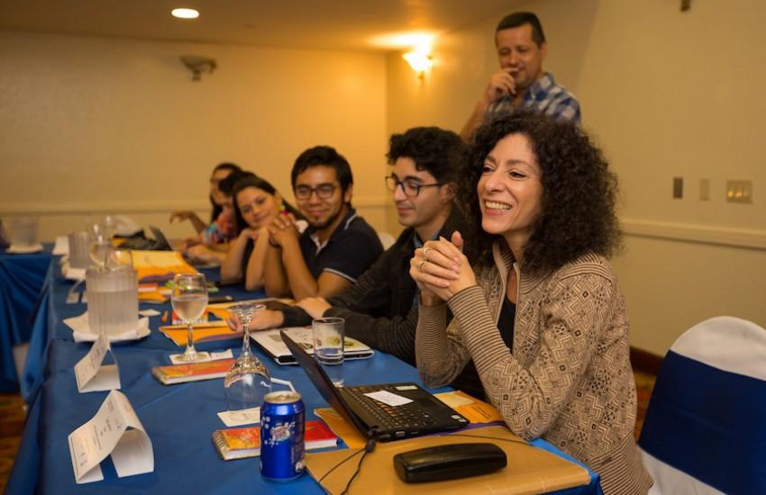 Leila Guerriero condujo el taller Periodismo narrativo: reporteo, mirada y estilo. Foto: Cortesía Centroamérica Cuenta.