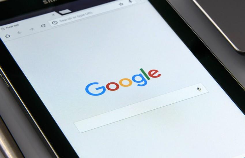 ¿Es cierto que Google compró Apple por 9.000 millones de dólares?... ¡Responde nuestro quiz de noticias!  Fotografía: Photo-Mix en Pixabay | Usada bajo licencia Creative Commons