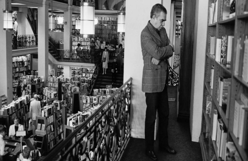 En la libreria Scribners de Nueva York en 1988. Foto: Hernán Díaz