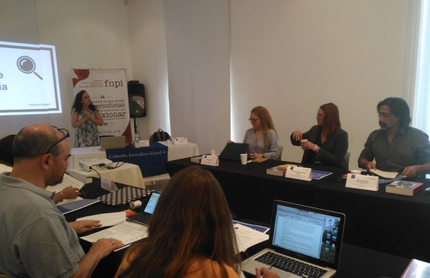 Francisca Skoknic, maestra del Curso de periodismo de investigación de América Latina, es una de las panelistas.