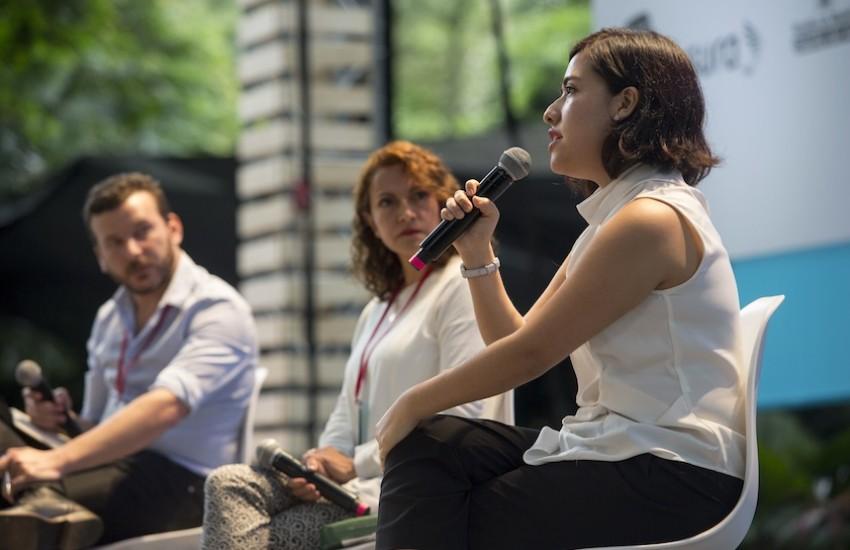 Natalia Sánchez, ganadora de la primera beca Oxfam FNPI, durante su participación en el Festival Gabo. Foto: David Estrada Larrañeta / FNPI.