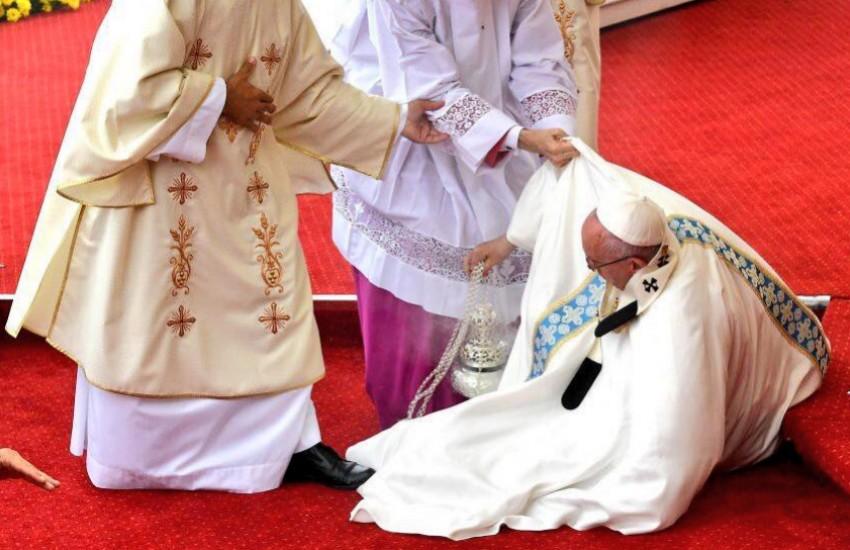 ¿Es cierto que el papa Francisco se ha caído dos veces en un mes?... ¡Responde nuestro quiz de noticias!