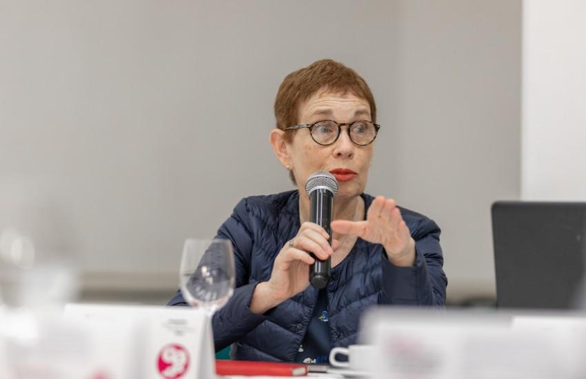 Nora Bär, editora y columnista de Ciencia y Salud de La Nación (Argentina).