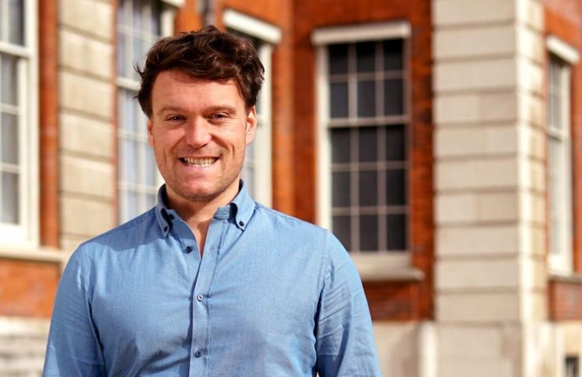 J.S. Tennant, ganador de la Beca Michael Jacobs de crónica viajera 2020. Foto: Cortesía Commonwealth Foundation.